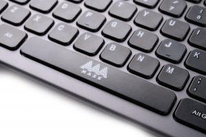 AAAmaze Tastiera Premium Combo Wireless + Mouse